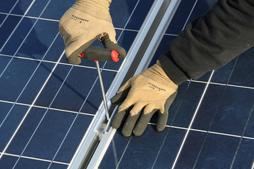 Solar collector, assembler
