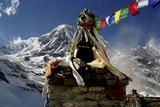 Gebetsfahnen am Annapurna poster