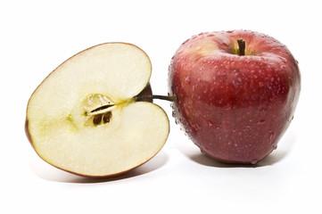 Manzana roja y mitad