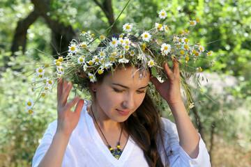diadem with wild flowers 3