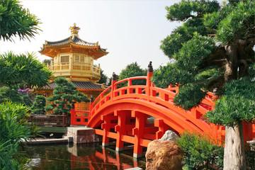 Złoty Pawilon chiński ogród