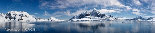 Foto op Canvas Poolcirkel Paradise Bay, Antarctica - Majestic Icy Wonderland