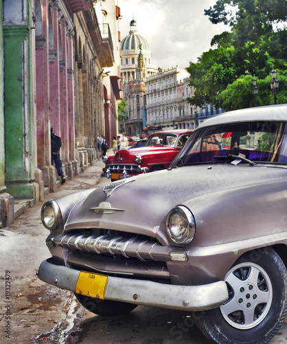 Havana scene with Old car