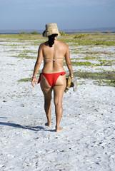Mujer en bikini, Isla de Coche, Venezuela