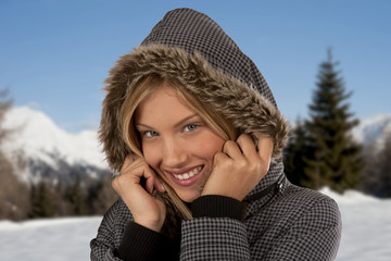 Baeautiful winter woman