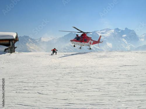 Tuinposter Helicopter Retungsflugwacht im Berneroberland