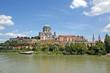 Esztergom (Ungarn) Basilika und Burganlage vom Schiff aus
