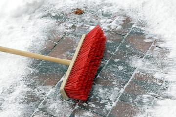 Schneefegen im Winter