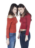 deux jeunes femmes complices affrontement rivales poster