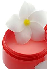 masque protecteur cheveux fleur frangipanier fond blanc