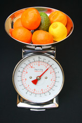 Kitchen scales and fruit