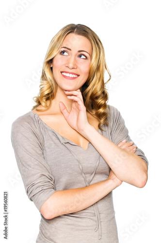 Blonde Frau denkt nach