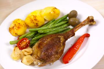 Gänsebraten mit Paprika,Bratkartoffeln,Grünen Bohnen