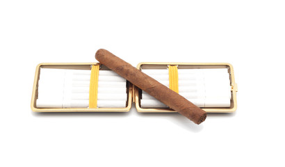 Open cigarette case and cigars.