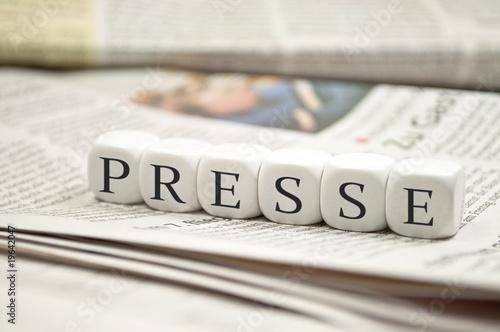 Leinwanddruck Bild Presse mit Zeitungen