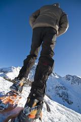 Guida alpina con ciaspole, leretta, valle d'aosta