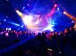 Leinwanddruck Bild - Dancing people in a disco