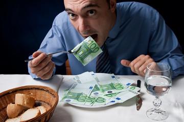 Comiendo un plato de euros