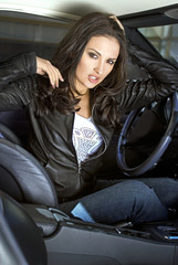 expressional woman in the sportcar