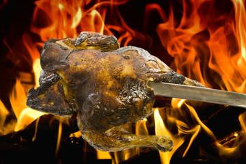 Hähnchen im Feuer