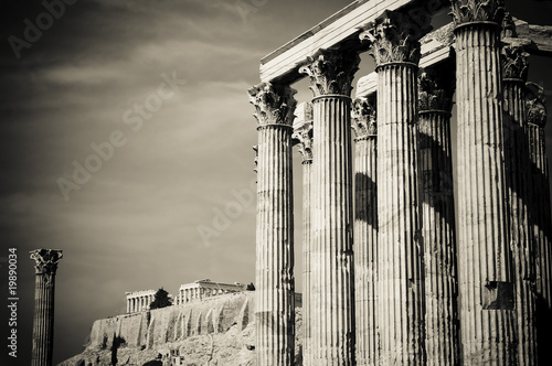 Staande foto Athene Temple of Olympian Zeus and Acropolis, Athens