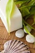 Coquillage, savon, bambou et galets