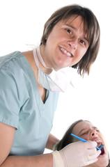 enfant effrayée par le dentiste