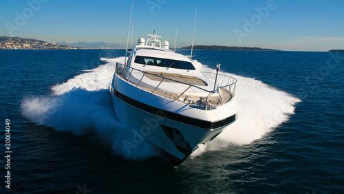 Leinwanddruck Bild yacht en méditerranée