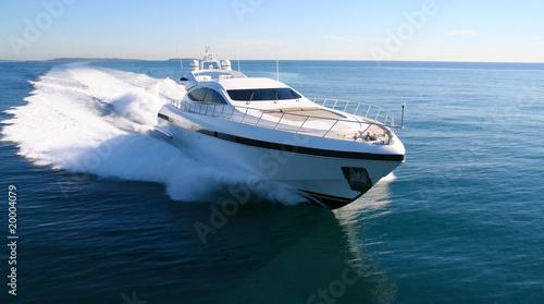 yacht en méditerranée - 20004079