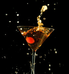 Manhattan cocktail - big splash!