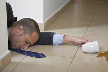Hombre Dormido con Cafe