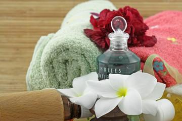 décor zen, spa, massage, aromathérapie, fond blanc