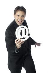 homme d'affaires heureux technologie internet arobase