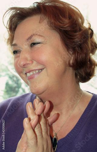 Leinwanddruck Bild lachende Dame