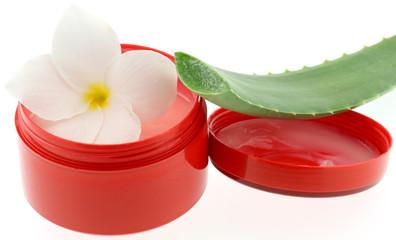 masque massage hydratant cuir chevelu aloe vera fond blanc