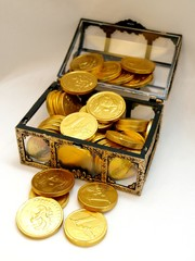 Cist with gold coins