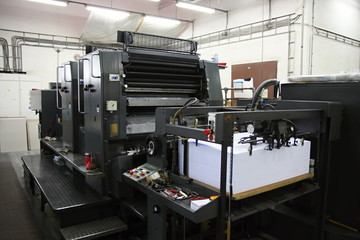 Offset machine