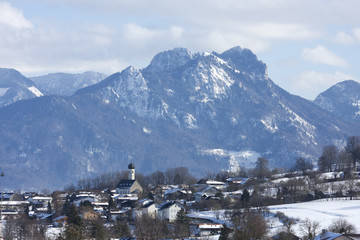 blick zum heuberg in oberbayern