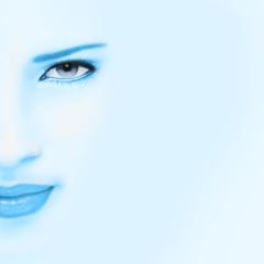 visage bleuté