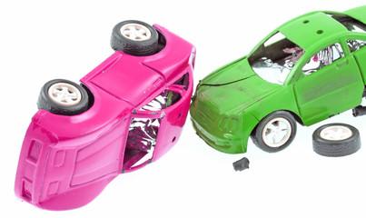 voitures accidentées fond blanc