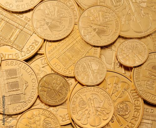 Geldanlage in echtem Gold als Goldbarren und Goldmünzen