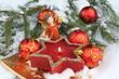 Weihnachtskerze im Schnee