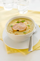 parsnip cream soup with pear and curry