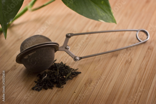 Loose Leaf Green Tea Leaves with Infuser