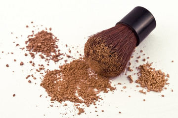 3 Shades of Mica Powder Cosmetics and Brush