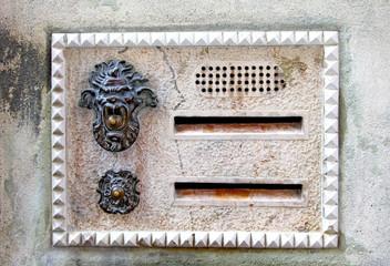 Italian letter-box
