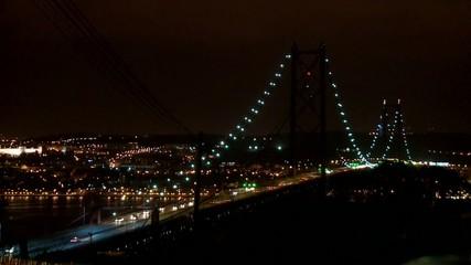 Lissabon Brücke bei Nacht