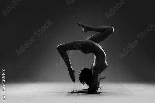 Gymnastic nude - 20564446
