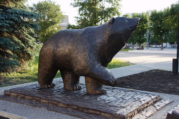 Bronze sculpture of a bear in the city of Perm