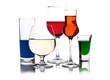 Напитки разного цвета в различных бокалах, фото 1491536.